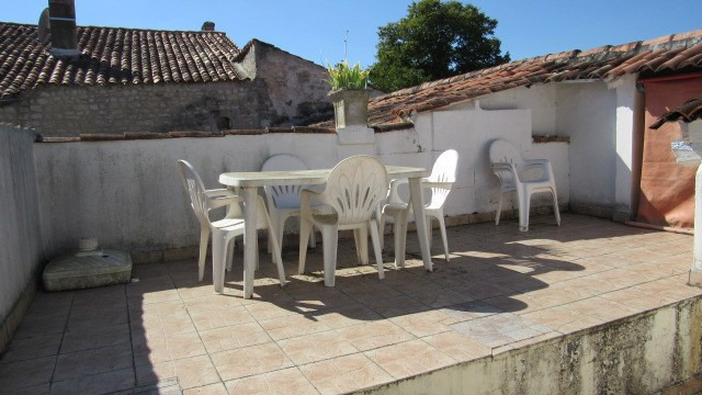 Sale house / villa La vergne 37 900€ - Picture 2