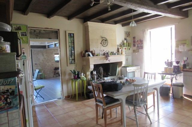 Sale house / villa Bords 243800€ - Picture 4