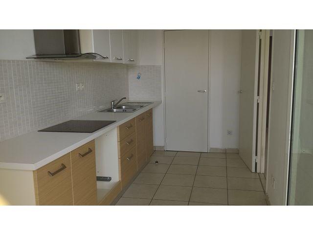 Location appartement Ste clotilde 825€ CC - Photo 5