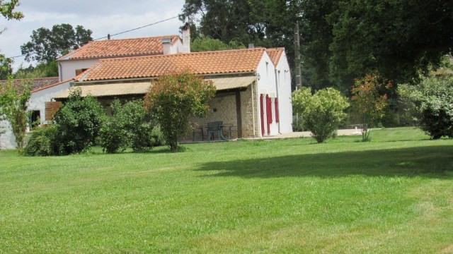 Sale house / villa Surgères 190800€ - Picture 1