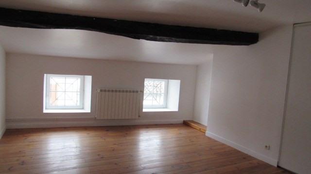 Sale house / villa Saint-jean-d'angély 85500€ - Picture 3