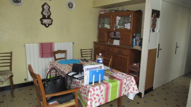 Sale house / villa Saint-jean-d'angély 96000€ - Picture 2