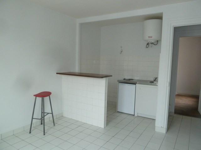 Sale apartment Paris 18ème 247000€ - Picture 3