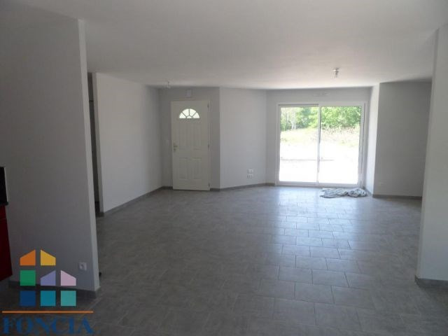 Rental house / villa Mouleydier 757€ CC - Picture 2