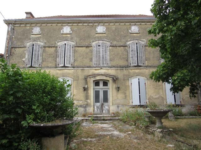Sale house / villa Loulay 117 150€ - Picture 1