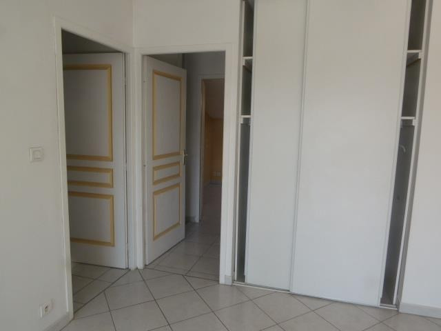 Vente appartement St priest 244 000€ - Photo 5