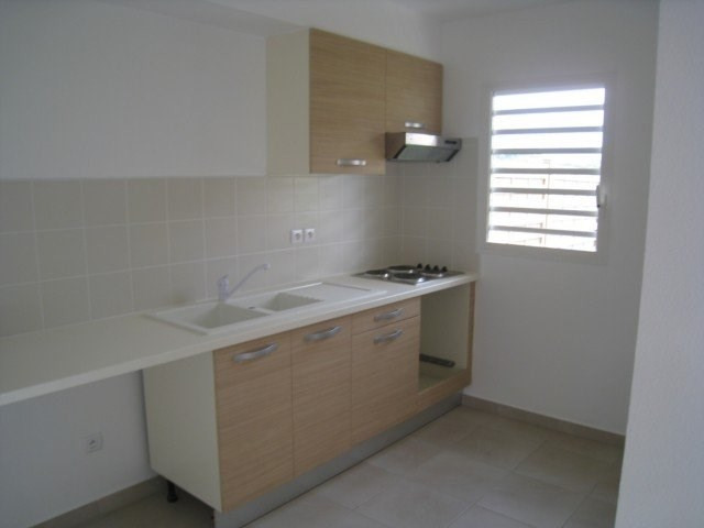Rental apartment Saint claude 813€ CC - Picture 4