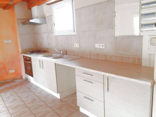 Rental apartment Domazan 653€ CC - Picture 6