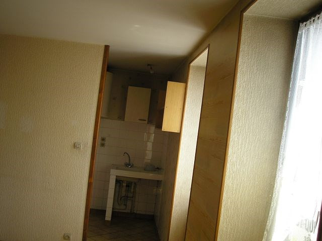 Rental apartment Bourgoin jallieu 405€ CC - Picture 5