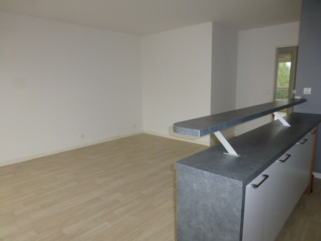 Rental apartment Gargenville 860€ CC - Picture 4