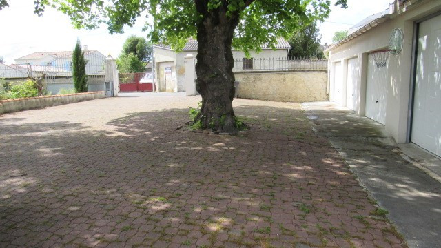 Sale house / villa Saint jean d'angely 241 500€ - Picture 6