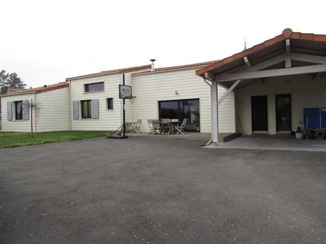 Sale house / villa Ternant 295400€ - Picture 1