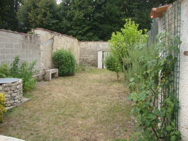 Sale house / villa Saint-julien-de-l'escap 111750€ - Picture 2
