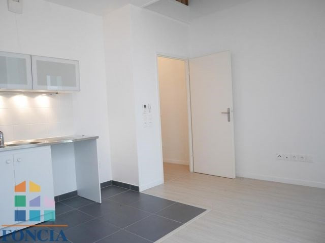 Location appartement Nanterre 946€ CC - Photo 4