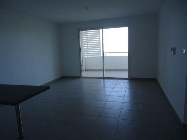 Location appartement St denis 606€ CC - Photo 1