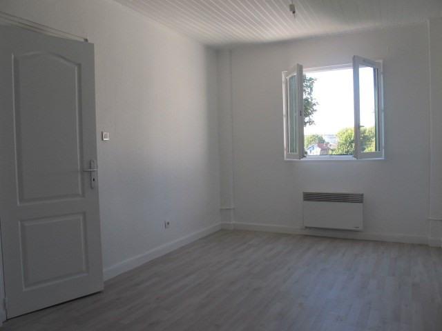 Locação apartamento Arcueil 750€ CC - Fotografia 1