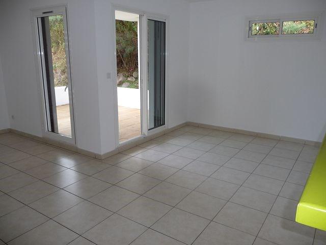 Location appartement St denis 682€ CC - Photo 3