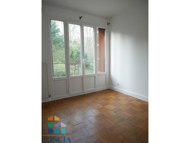 Rental apartment Suresnes 2 100€ CC - Picture 6