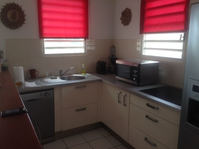 Location appartement Le marin 990€ CC - Photo 4