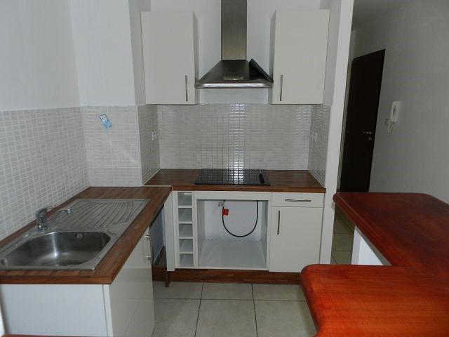 Location appartement St denis 682€ CC - Photo 5