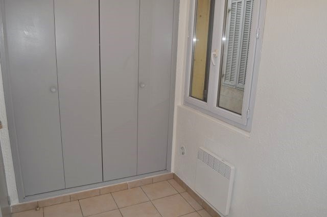 Rental apartment Marseille 16ème 475€ +CH - Picture 4