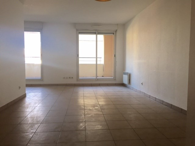 Location appartement Marseille 8ème 1 062,19€cc - Photo 2