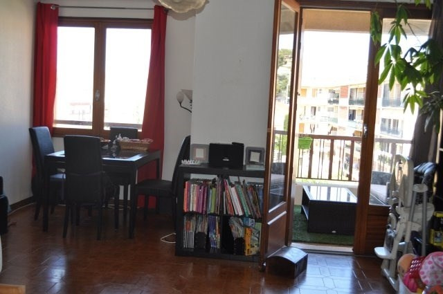 Location appartement Marseille 16ème 1028€ CC - Photo 2