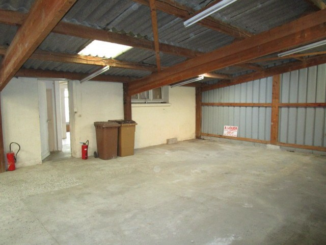 Location local commercial St lo 650€ HC - Photo 3
