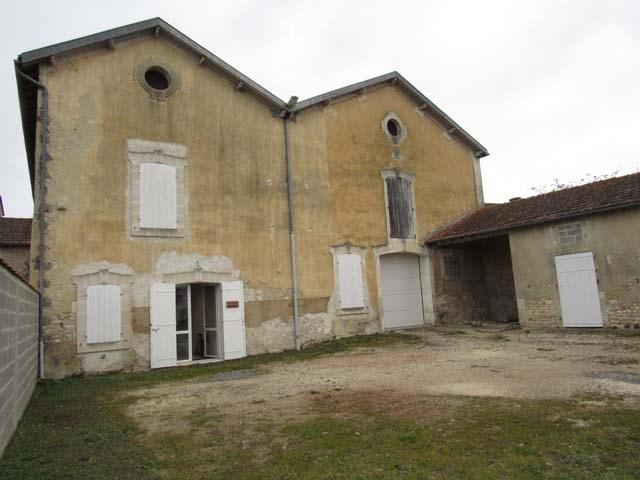 Vente immeuble Saint-jean-d'angély 117000€ - Photo 1