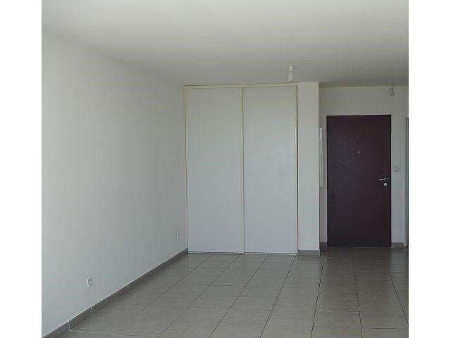 Location appartement Ste clotilde 566€ CC - Photo 3