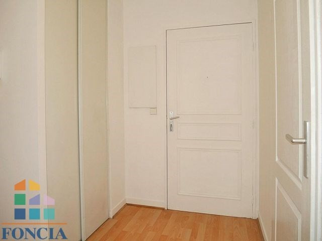 Location appartement Suresnes 1 272€ CC - Photo 6
