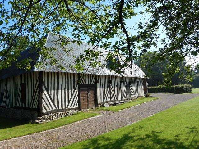 Sale house / villa Livarot pays d auge 342000€ - Picture 3