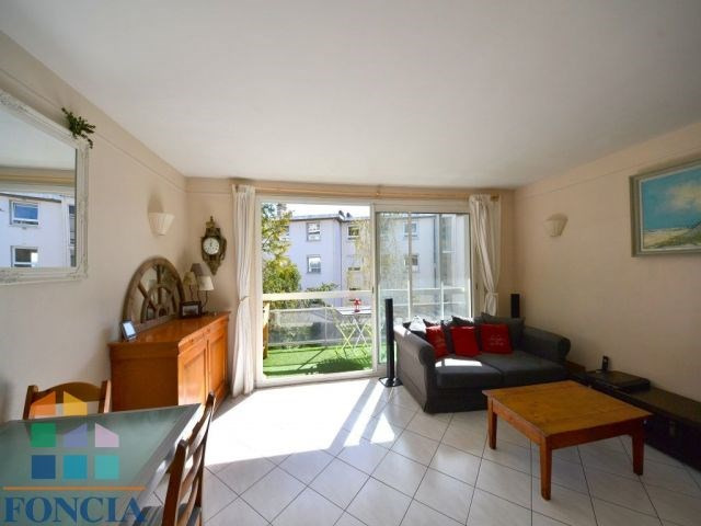 Sale apartment Suresnes 365000€ - Picture 3