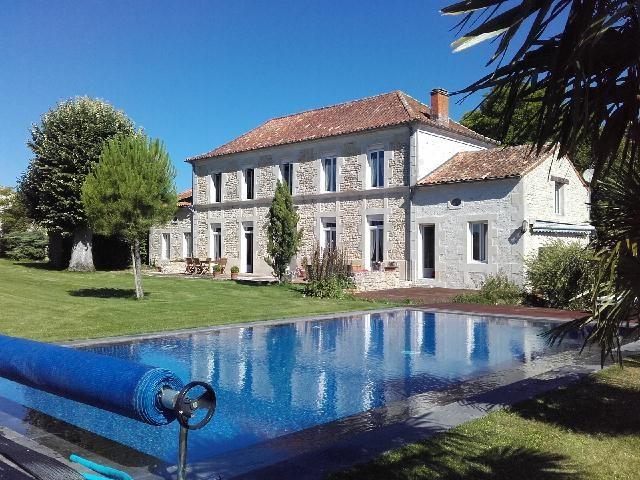 Sale house / villa Tonnay-boutonne 499200€ - Picture 1