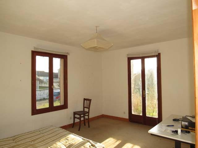 Sale house / villa Saint jean d'angely 143250€ - Picture 5