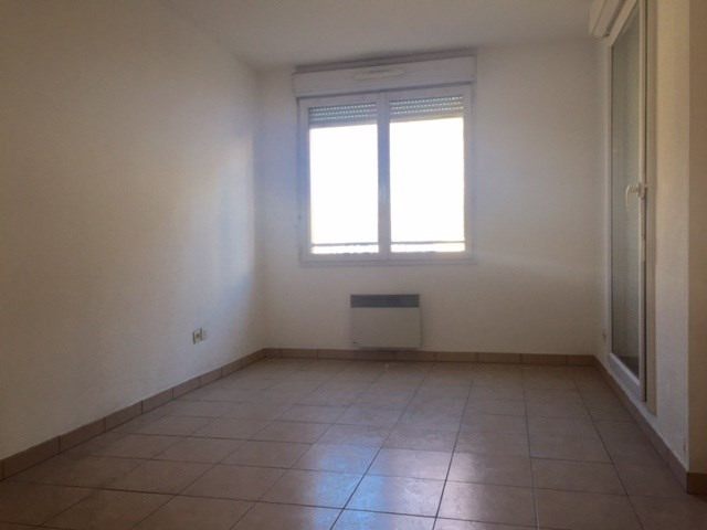 Location appartement Marseille 8ème 1 062,19€cc - Photo 8