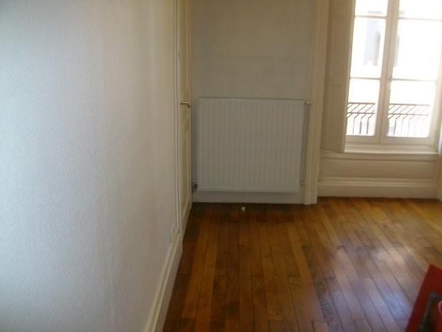 Location appartement Lyon 2ème 1062€ CC - Photo 4