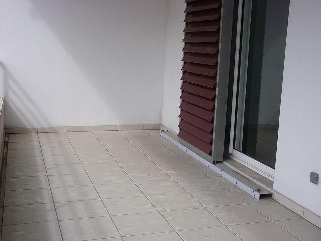 Location appartement St denis 570€ CC - Photo 4