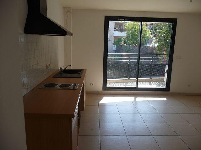 Location appartement La possession 514€ CC - Photo 3