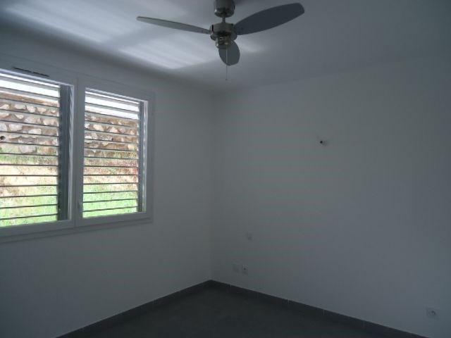 Location appartement St denis 856€ CC - Photo 4
