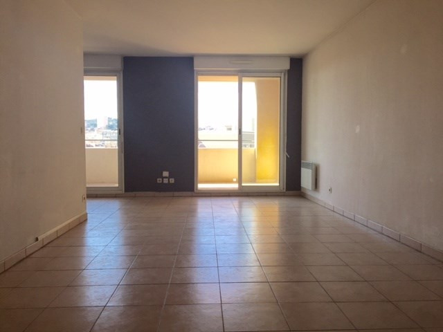 Location appartement Marseille 8ème 955,46€ CC - Photo 3