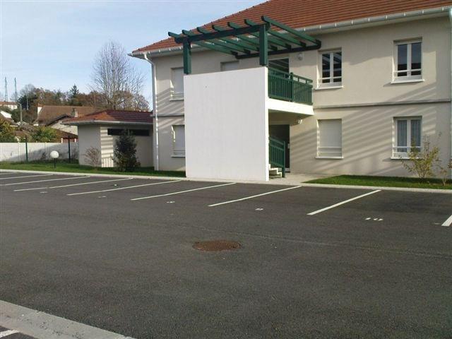 Location appartement Artix 575€ CC - Photo 1