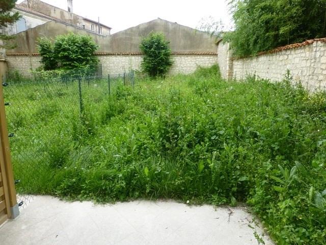 Rental apartment Saint-jean-d'angély 580€ CC - Picture 5