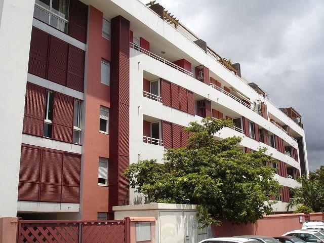 Location appartement Ste clotilde 898€ CC - Photo 1