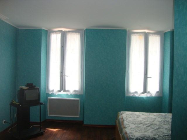 Sale house / villa Saint-julien-de-l'escap 111750€ - Picture 5