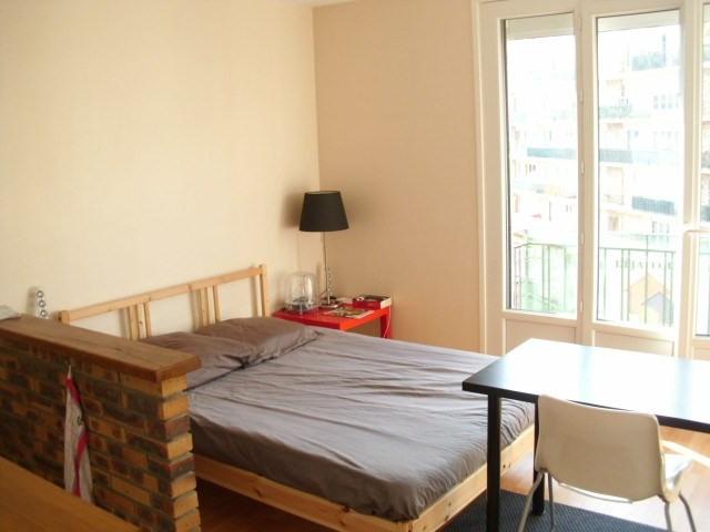 Rental apartment Maurepas 563€ CC - Picture 1