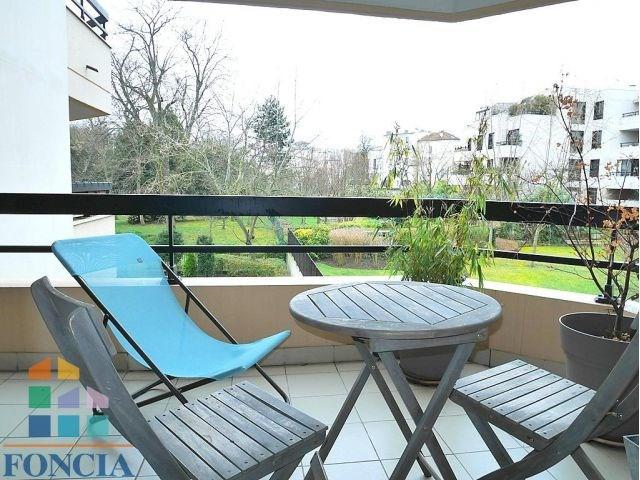 Rental apartment Suresnes 1808€ CC - Picture 2