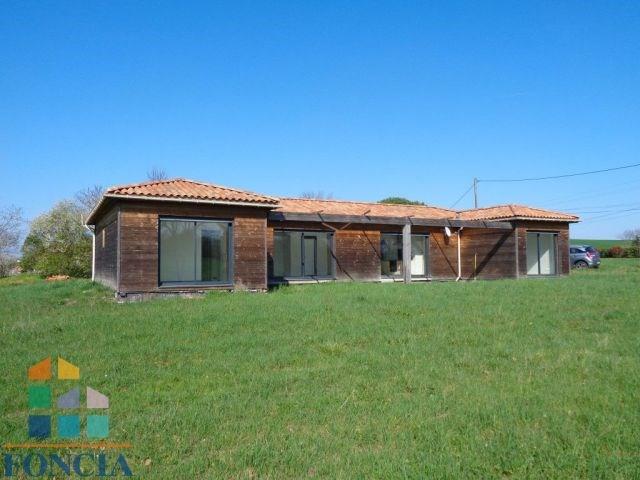 13 kms sud maison ossature bois de 124 m² à rafraichir