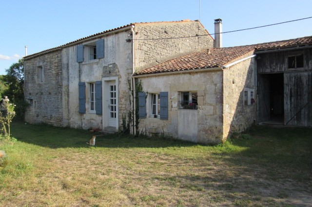 Sale house / villa Bords 243800€ - Picture 1