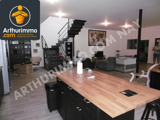 Sale house / villa Nay 322500€ - Picture 2